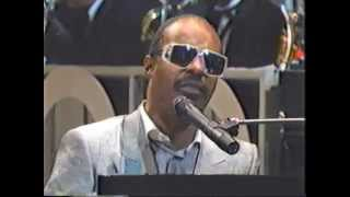 Stevie Wonder - Sir Duke (Live @Apollo Theatre 1985)