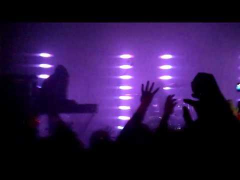 Crystal Castles @ Echoplex 4/12/10 - 'Fainting Spells'