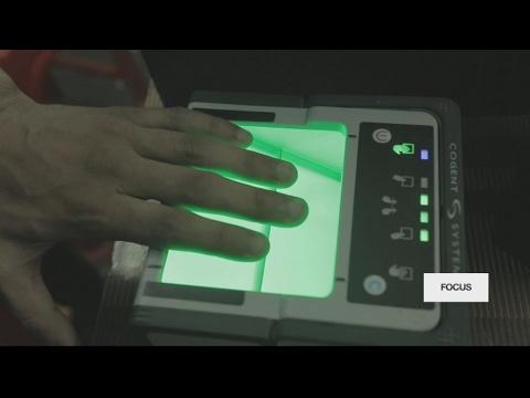 Carte Prepayee Inde.Inde Derriere La Carte D Identite Biometrique La Surveillance De Masse