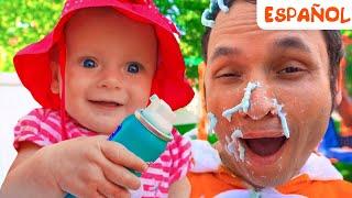 Cancion Infantil - Así es como se lavan los juguetes | Maya y Mary
