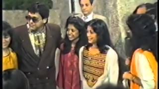 GOVINDA_Great moments with fans & beautiful wife Sunita