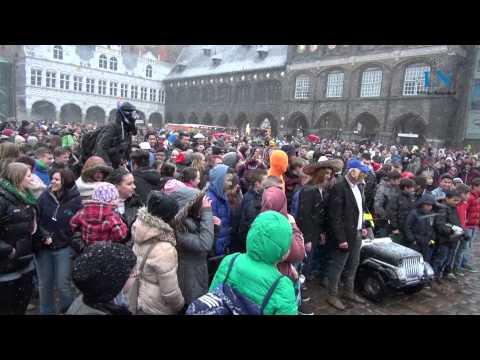 Fette Party: Der Harlem Shake in Lübeck