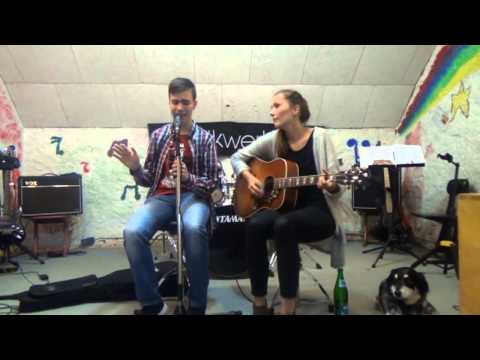 Run Away (Acoustic Version) - TRdC feat. Eva Winter