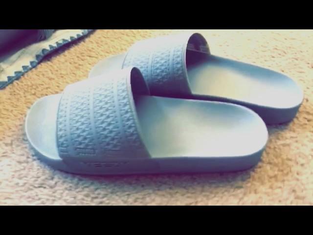55081db58c18 His YEEZY Slides Just Went Viral. — Just Jazerai