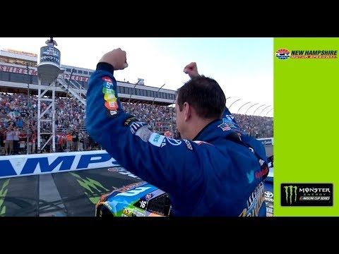 Kyle Busch punches ticket to final four with dramatic win at Martinsville