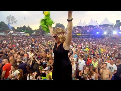 Martin Solveig - Watch Out For This (Major Lazer) @ Tomorrowland 2013