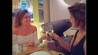 علا غانم وابنتها تشربان الخمور!