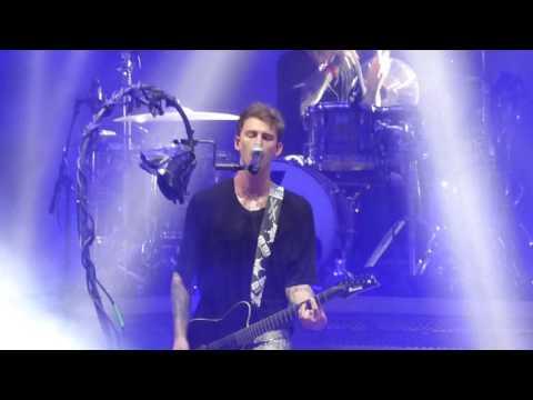 [HD] Machine Gun Kelly - Let You Go (Live @ Rock Werchter 2017)