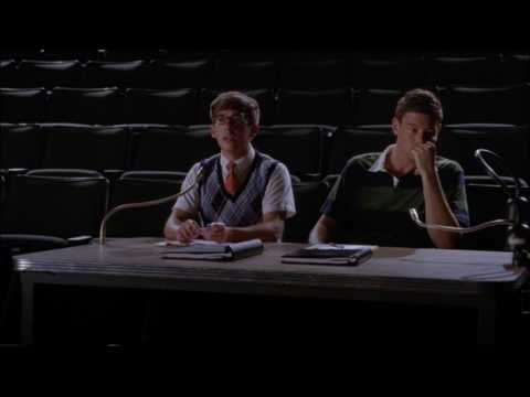 Glee - Blaine tells Artie and Finn that he can't play Danny Zuko 4x05