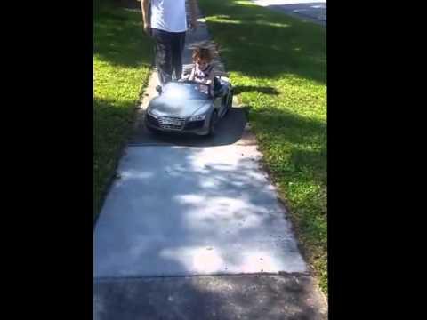 Avigo Audi R V Spyder GT Gray Ride On YouTube - Audi r8 6v car