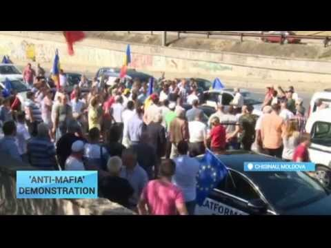 Moldova 'Anti-Mafia' Demonstration: Revolution in the air as Moldovan protest movement builds