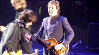 """2009 Paul McCartney intro/entrance """"Drive My Car"""" and """"Jet"""" in Tulsa"""