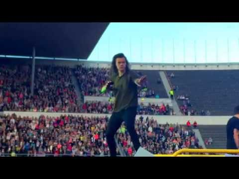 One Direction - Stockholm Syndrome live HD - Helsinki - 27-6-15