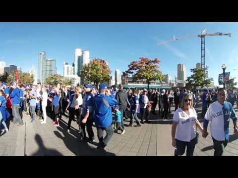 VR 360: Blue Jays fans cheer outside Rogers Centre