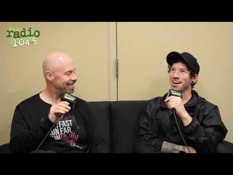 Off The Air: Johnny - TWENTY ØNE PILØTS' Josh Dun talks running! #RunWithRadio1045Johnny