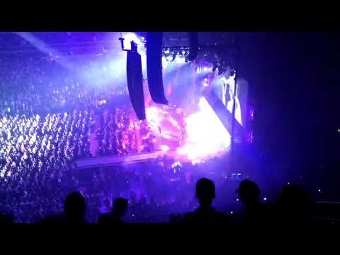 Depeche Mode - Personal Jesus @ Capital One Arena - Washington DC