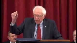 Bernie Sanders receives 2015 award from VFW
