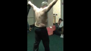 Шок.Большие мышцы без накачки! Физкультура для ленивых. Синхрогимнастика, Личный пример.(Шок! Оказывается 5-ти секундными упражнениями Синхрогимнастики можно сделать себе фигуру, накачать мышцы..., 2015-04-18T01:01:09.000Z)