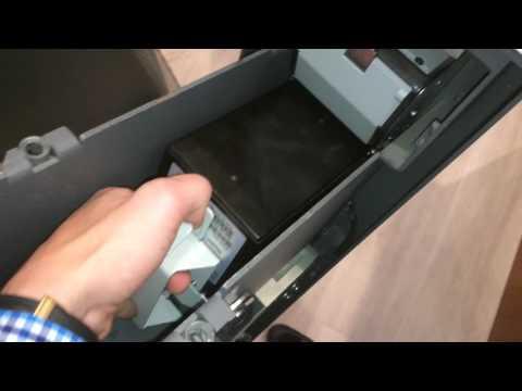 Как вставлять стекер/кассету