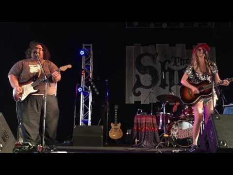 Elizabeth Cook - Country Feedback (R.E.M. cover)