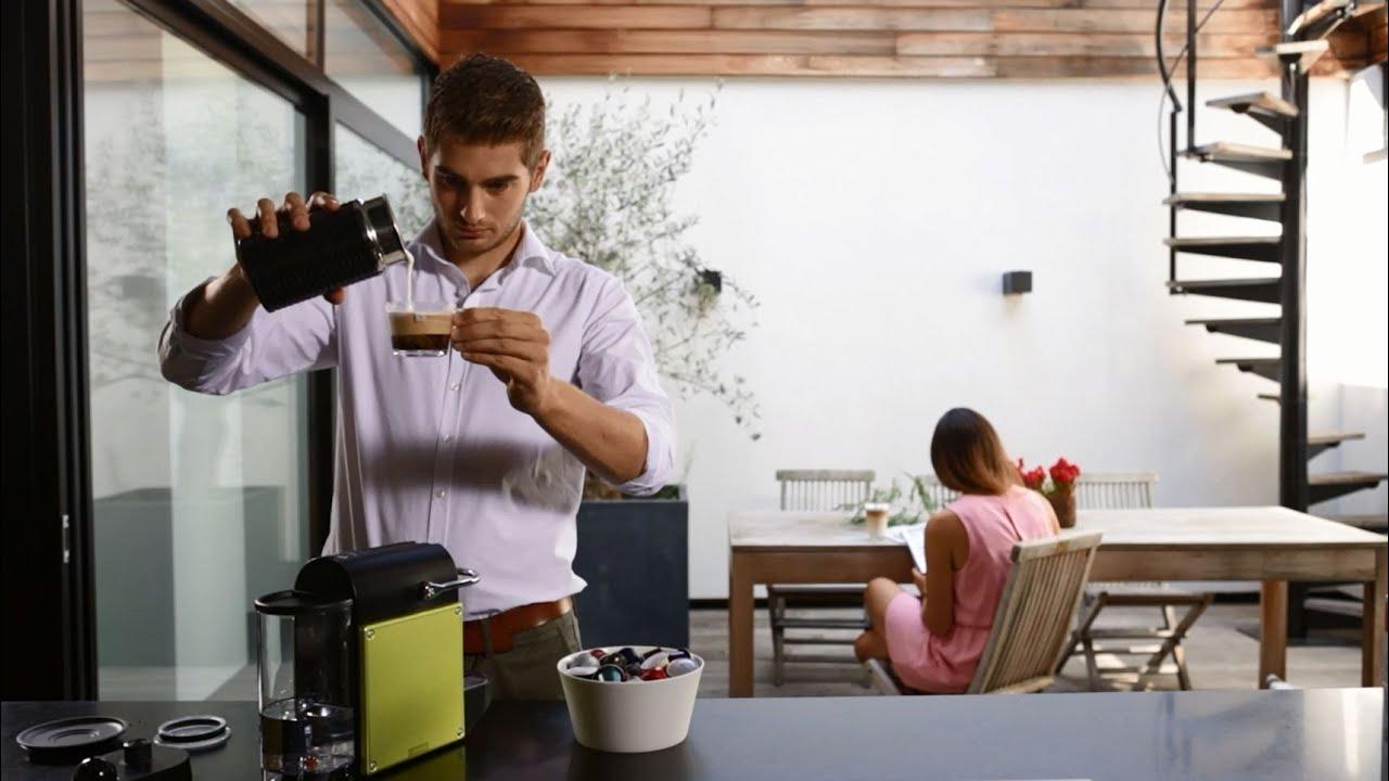nespresso emulsionneur lait aeroccino youtube. Black Bedroom Furniture Sets. Home Design Ideas