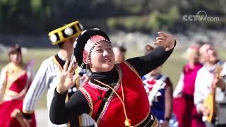 [喜上加喜]节目抢先看 傈僳族诗人的民族文化情怀| CCTV综艺