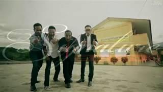 Download Assalamualaikum Ustazah - Khalifah (Karaoke)
