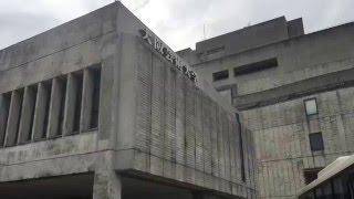 大阪芸術大学の構内ですよ。 詳しくは、http://www.osaka-geidai.ac.jp/...