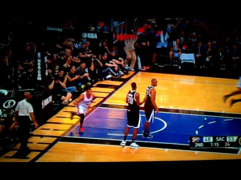 Russel Westbrook Dunks and Kevin Harlan Goes Crazy!