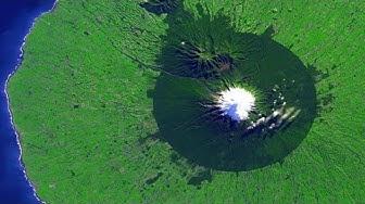 """19.00 """"myllärin"""" Swedu-uutiset 23.6.-19 Avaruuskuva Uuden-Seelannin tulivuoresta."""