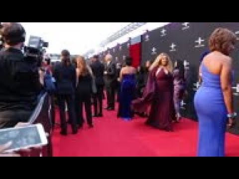 Hollywood A-listers hit red carpet at Tyler Perry's new studio