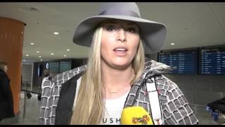 Här anländer Lindsey Vonn i Stockholm: