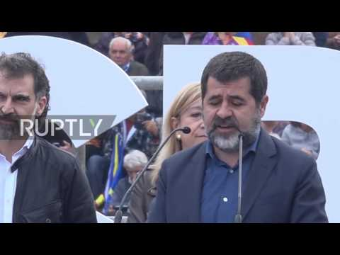 Spain: 1000s protest judicial proceedings against Catalan independence activists