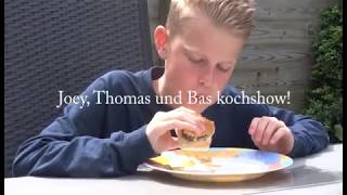 Joey kookt braadworst