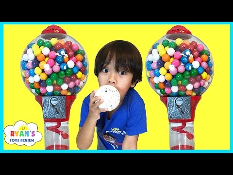 Thumbnail: GIANT DUBBLE BUBBLE GUMBALL MACHINE Bubble Gum Challenge Giant JawBreaker Gross Sour Cry baby candy