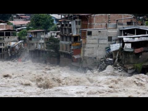 Peru Floods Displace 500,000 People #PrayForPeru