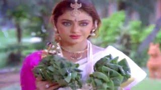 Alludugaru Movie || Mohan Babu & Shobana Beautiful Love Scene || Mohan Babu, Shobana