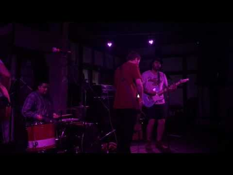 Suede Dudes - Molding Over (Thom Fekete cover) 07.03.2016 @ Churchill's