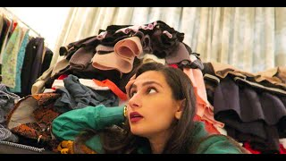Whats in a girls closet !?