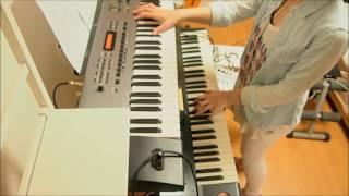 PVのゆるい感じが好きで弾いてみました。 @trrma5.