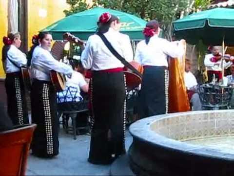 Mexico Guadalajara Travel: Exploring Tlaquepaque, a Beautiful Artists Village