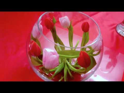 КОМПОЗИЦИЯ ИЗ ЦВЕТОВ В СТЕКЛЯННОЙ ВАЗЕ ,ТЮЛЬПАНЫ.tulips in vases  郁金香在花瓶