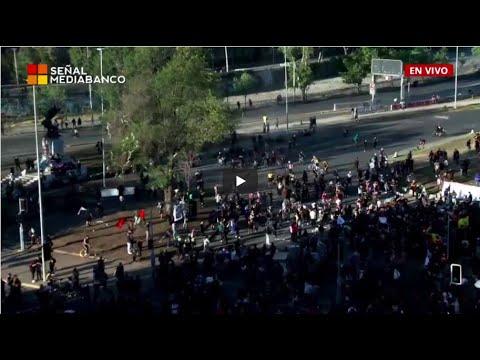 EN VIVO - Manifestaciones  Plaza Baquedano, Santiago de chile