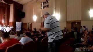 Болельщики Динамо vs Руководство клуба