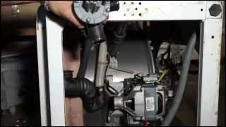 Замена сливного насоса стиральной машины индезит\аристон. Видео №15(Где находится сливной насос (помпа) устиральной машины Индезит\Аристон (и у многих других моделей) вы узнает..., 2015-01-22T13:03:57.000Z)