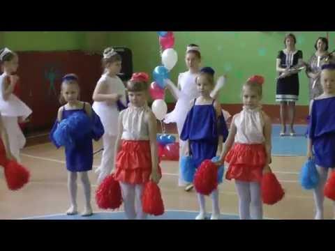 Новогодняя [детские песни]из YouTube · С высокой четкостью · Длительность: 2 мин18 с  · Просмотры: более 6.978.000 · отправлено: 23-12-2010 · кем отправлено: Мир детства