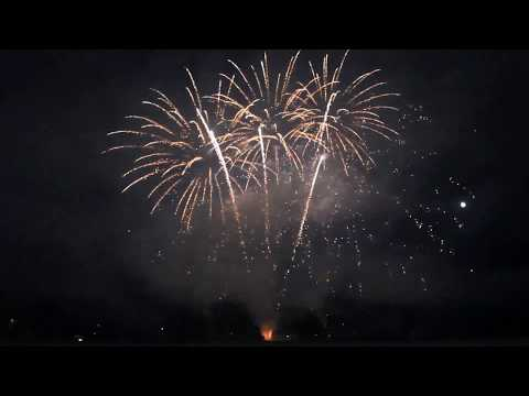 Bond, James Bond - A Pyromusical Fireworks Display By Pyromania Fireworks