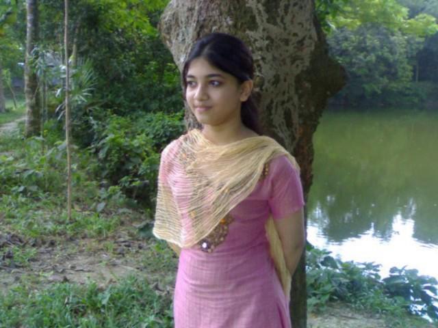 Bangladeshi nude teen girl