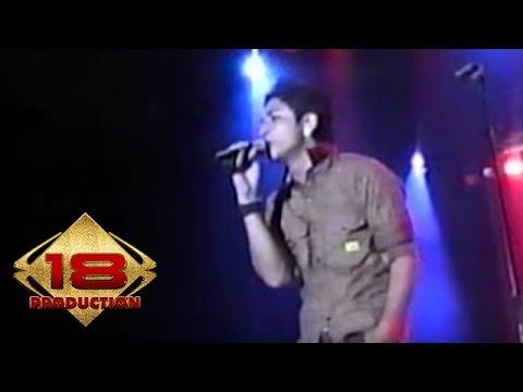 Ungu - Melayang (Live Konser Bali 27 April 2006)