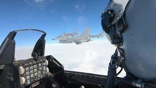 F-16 øver kamp over Skandinavien